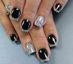 glamouroeses nageldesign mit glitzer schwarz silber french
