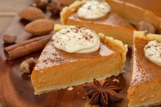 Start enjoying Thanksgiving now. Here is a healthy low calorie pumpkin pie recipe that is pretty tasty. Even if you're not on a diet this is a healthy recipe to enjoy. Ingredients: Canned Pum… Low Calorie Pumpkin Pie Recipe, Pumpkin Pie Recipes, Thanksgiving Desserts, Fall Desserts, Easy Healthy Recipes, Sweet Recipes, How To Make Pumpkin, Eating Habits, Food Hacks