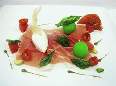 Prosciutto di Parma, spuma al Parmigiano-Reggiano, #gelato al basilico e crema di pistacchio by Fabbri 1905