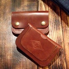 We present you the TRI hand crafted cow leather wallet. Able to hold your cards, id and cash with zip inside. Available in store now and online this week #handcrafted #leather #wallet #brown #tri #therealintellectuals #christmas #gift