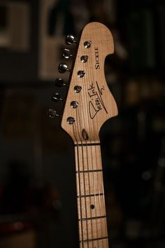 Strat guitar blog about hi-end Custom Shop, boutique S-type guitar listings, mods and parts for DIY upgrades.