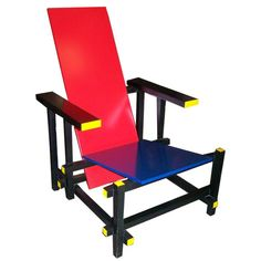 De Stijl à travers Piet Mondrian et Gerrit Rietveld Piet Mondrian, Bauhaus Furniture, Cool Furniture, Furniture Design, Rietveld Chair, 1980s Design, Traditional Chairs, Memphis Design, Design Movements