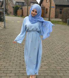 ▪PINTEREST: Aya MB• Modest Wear, Mode Hijab, Caftans, Muslim Women, Hijab Fashion, Nice Dresses, Women's Clothing, Satin, Clothes For Women