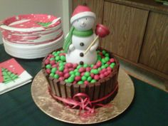 Xmas cake for my boyfriend Awesome Cakes, Random Stuff, Boyfriend, Xmas, Kit, Desserts, Food, Random Things, Tailgate Desserts