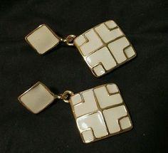 Vintage-Dangling-Earrings-Cream-enamel-Gold-Tone-Pierced-jewelry-earrings