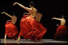Netherlands Dance Theatre, Bella Figura, 1999 by Jiří Kylián