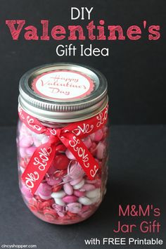 Valentine's Day mason jar gifts that are creative, unique and make a fun gift for your Valentine! Try these inexpensive DIY Valentine's gifts in a jar today for the best Valentine's Day ever in is the perfect Valentine's gift in a jar for him! Friend Valentine Gifts, Valentines Gifts For Boyfriend, Gifts For Coworkers, Boyfriend Gifts, Cheap Valentines Day Ideas, Homemade Valentines, Valentine Ideas, Saint Valentine, Printable Valentine