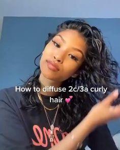 3c Curly Hair, Curly Hair Routine, Hair Care Routine, Curly Hair Styles, Curly Hair Latina, Girls With Curly Hair, Curly Hair Hacks, Wavy Hair Tips, 2c Hair