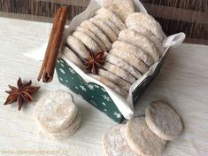 Butter wheels with rum and cinnamon – Cake Types Christmas Sweets, Christmas Baking, Christmas Cookies, Sweet Desserts, Dessert Recipes, Look Body, Cinnamon Cake, Types Of Cakes, Sweet Cookies