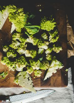 The Vegetable Butcher Shows You How to Break Down Romanesco | Kitchn Romanesco Broccoli, Best Dishes, Cooking School, Food Facts, Herbs, Vegetables, Pretty, Nice, Healthy Eating