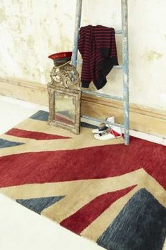 The 'Jack' Rug features a patriotic Union Jack design that has been tastefully created with a vintage look. The Hand Knotted pile is woven with the finest New Zealand Wool yarns to provide a deep, soft pile designed for luxurious comfort and warmth. Union Jack Rug, Rockett St George, Union Flags, Uk Flag, Buy Rugs, Contemporary Rugs, Inspired Homes, Colorful Rugs, Retro