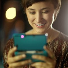 Zelda Williams in Nintendo' Spot. playing 3DS #Robin #Williams #Zelda #spot