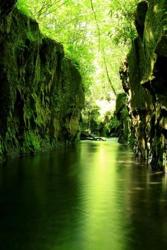 Mysterious valley - Tarumae Garo Gorge, Tomakomai, Hokkaido, Japan 苫小牧 樽前ガロー