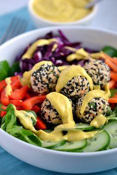 Rainbow Salad with Sesame Hummus Bites and Mango-Tahini Sauce by coconutandberries #Salad #Hummus #Mango #Tahini #Healthy