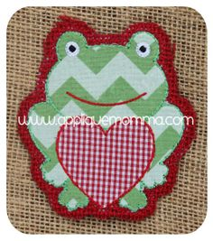 Valentine Frog Ornament Applique Design