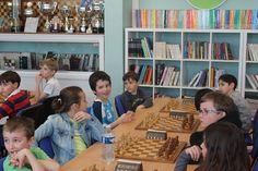 Le Club d'#échecs de #Châlons-en-Champagne a organisé son 6e tournoi scolaire CM1-CM2. Bravo à Giorgie Okhanian qui a remporté le tournoi !