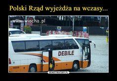 Polski rząd wyjeżdża na wczasy liną debile 👌