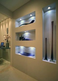 Discover spaces for your worldly treasures and valued art décor with the top 40 best recessed wall niche ideas. Niche Design, Wall Design, House Design, Plafond Design, Amazing Decor, Interior Decorating, Interior Design, Living Room Tv, Ceiling Design