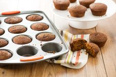 Enjoy the festive flavor of gingerbread in muffin form! Rachael Ray's sister, Maria, bakes a delicious batch of sweet muffins perfect for the holidays.