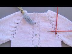 Tutorial para hacer un Jersey de bebé para los primeros días, con vainicas o vainillas con bordados rococó, en video e instrucciones escritas Baby Knitting Patterns, Coat Patterns, Knitting For Kids, Knitting For Beginners, Knitting Designs, Crochet Baby Sweaters, Knitted Baby Cardigan, Knitted Baby Clothes, Knitted Hats