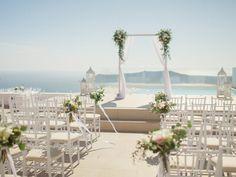 La Maltese Luxury Estate wedding in Santorini Santorini Wedding Venue, Beach Wedding Reception, Greece Wedding, Hotel Wedding, Wedding Venues, Dream Wedding, Wedding Ideas, Wedding Ceremony, Wedding Stuff