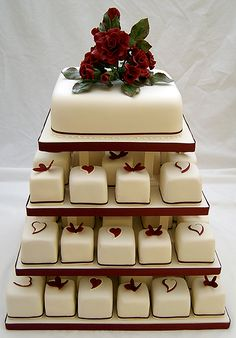 ooooh petit fors and then a regular cake to cut. What a cute idea!