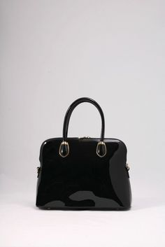 Μαύρη τσάντα λουστρίνι, ώμου-χειρός. ΚΩΔ.: 917.004 ΤΗΛ: 2510 241726 Bags, Fashion, Handbags, Moda, Fashion Styles, Fashion Illustrations, Bag, Totes, Hand Bags