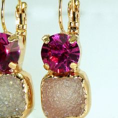 Hot Pink Drop Earrings, Fuschia & Gray Druzy Earrings,Double Stone Drop Earrings, Gold Earrings, Dangle Gemstones Earrings, Druzy Agate Bezel Sets Earrings.  A pair of Unique druzy and Swarovski Rivoly crystals.  ♣ Gemstone: Gray Druzy. ♣ Crystal - Rivoly Fuschia crystal Swarovski. ♣ Size: length ( with the hook ) - 3 cm , 1.2 inches.  width - 1 cm , 0.4 inches. ♣ Metal: 18K Gold plate over brass, high quality, nickel free.  ♣ Each piece is Made by hand soldering technique…