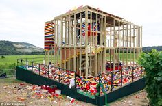 THE INCREDIBLE BUT FUNCTIONAL LEGO HOUSE