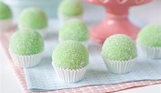 Surpresa de uva | Flamboesa Dessert Party, Party Desserts, Birthday Desserts, Birthday Parties, Nutella, Dessert Recipes For Kids, Diy Weihnachten, Mochi, Mini Cupcakes