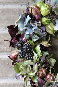 DIY autumn wreaths that you can make yourself. Ideas for fall wreaths to make. Diy Fall Wreath, Autumn Wreaths, Fall Diy, Summer Wreath, Holiday Wreaths, Spring Wreaths, Deco Floral, Arte Floral, Wreaths And Garlands