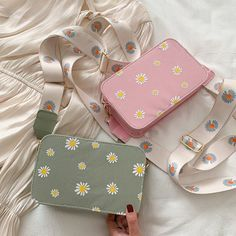 Aesthetic Bags, Kawaii Bags, Girls Bags, Cute Bags, Cute Jewelry, Backpack Bags, Purses And Handbags, Bag Making, Fashion Bags