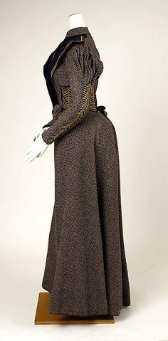 Walking dress ca. 1893 | http://www.pinterest.com/pin/138837600985464635/