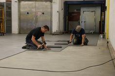 Die Verlegung der Industrieplatten ist sehr einfach und ist unglaublich schnell. Garage Boden, Vacuums, Home Appliances, Simple, House Appliances, Vacuum Cleaners, Appliances