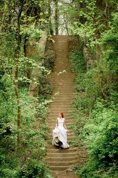 Wedding Photography Ideas : 28 Fairytale Wedding Photos That Capture The Magic Of Love Images Esthétiques, Hair Images, The Secret Garden, Creation Photo, Shooting Photo, Foto Art, Story Inspiration, Stairways, Faeries