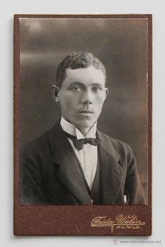 Retrato de caballero sueco. Foto: Frida Welin. Kumla -  El Desván de Bartleby C/.Niebla 37. Sevilla