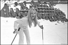 Sylvie Vartan au ski à Avoriaz (photo d'archive non datée)