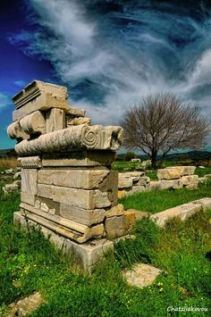 Temple of Hera, Samos island, north central Aegean sea, Greece Samos Greece, Thasos, Beautiful Ruins, Greece Islands, Ancient Mysteries, Archaeological Site, Island Beach, Ancient Greece, Greece Travel