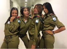 Now this is my kind of A Team. Idf Women, Military Women, Bow Hunting Women, Israeli Female Soldiers, Israeli Girls, Outdoor Girls, Brave Women, Military Girl, Girls Uniforms