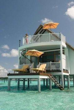 Yo quiero una casita asii en la playaa... que ricoooo!!!