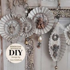 Tutorial … make your own Christmas tree Ornaments - Waffeln Rezept Shabby Chic Christmas Ornaments, Victorian Christmas Decorations, Victorian Christmas Ornaments, Christmas Ornament Crafts, Vintage Ornaments, Handmade Ornaments, Christmas Decorations To Make, Christmas Crafts, Christmas Booth