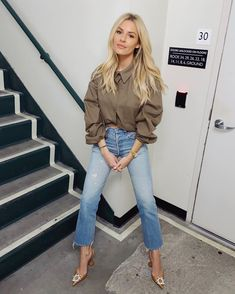 Going out girls night or date night Morgan Stewart, Jean Outfits, Fashion Outfits, Cute Everyday Outfits, Lingerie, Street Style Summer, Daily Look, New Wardrobe, Jeans Style