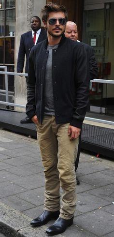 Zach_Efron_Ray_Ban_Sunglasses_Vince-Jacket-Balmain_Biker_Jeans_Khaki1