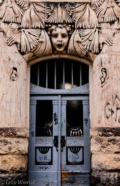 Art Nouveau door in Dresden by Iris Wenskowski
