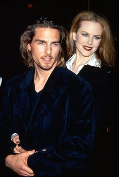 bohemea: Tom Cruise Nicole Kidman - Interview With a Vampire premiere, November 1994 Isn't it great that they dressed like they were going to be guests on Goth Talk later that night? Tom Cruise's hair is so macabre! Nicole Kidman, Hollywood Couples, Hollywood Celebrities, Katie Holmes, Celebrity Babies, Celebrity Couples, Celebrity Style, Z Cam, Famous Couples