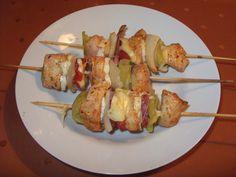 Kuracie ražniči so syrom Russian Recipes, Baked Potato, Asparagus, Ham, Potato Salad, Food And Drink, Cooking Recipes, Favorite Recipes, Chicken