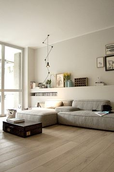 Modern Minimalist Living Room Decorating Ideas You can Copy Living Dining Room, Home And Living, House Interior, Living Room Decor, Minimalist Living Room, Minimalist Living, Bedroom Interior, Home, Dorm Room Decor