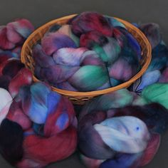 """Hand Dyed Superwash Targhee Wool Combed Top """"Marriage Counseling"""" - 4 oz"""