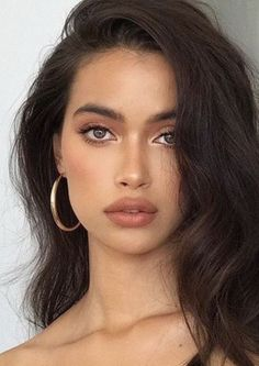 A bronze glow is perfect for minimal makeup looks. A bronze glow is perfect for minimal makeup looks. – The post A bronze glow is perfect for minimal makeup looks. appeared first on Best Of Sharing. Beauty Make-up, Beauty Hacks, Hair Beauty, Beauty Tips, Beauty Products, Natural Makeup Products, Beauty Care, Organic Makeup, Beauty Quotes