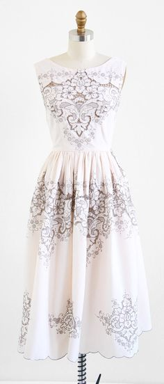 vintage 1970s white lace and linen embroidered dress | bohemian wedding dress | http://www.rococovintage.com